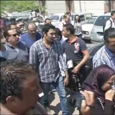 Uutisvideot: Kairon lentoasemalle saapuu kadonneiden omaisia