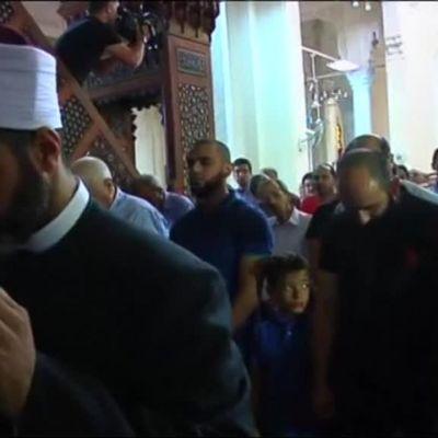 Uutisvideot: Kairossa kokoonnuttiin rukoilemaan kadonneiden puolesta