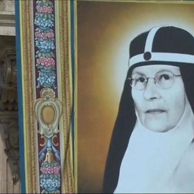 Uutisvideot: Paavi nimitti kaksi uutta pyhimystä
