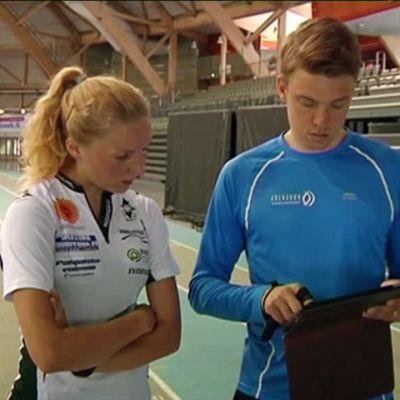 Urheilujuttuja: Teini harjoittelee Jukka Keskisalon opeilla