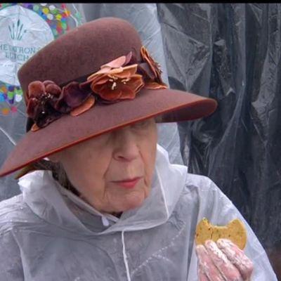 Uutisvideot: Sade ei haitannut Elisabetin synttäripiknikille päässeitä