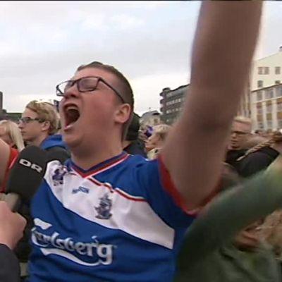 Uutisvideot: Voitto löi fanin tantereeseen - näin Islanti sekosi jalkapallovoitosta