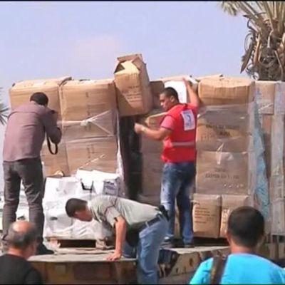 Uutisvideot: Turkkilainen avustuskuljetus pääsi perille Gazaan