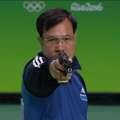 Rion olympialaiset: Vietnamin Hoang Xuan Vinh voitti miesten 10 metrin ilmapistoolin olympiakultaa