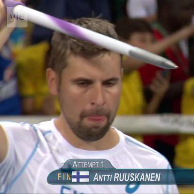 Rion olympialaiset: Keihäskarsinnasta lähes pannukakku: Vain Ruuskanen vaivoin finaaliin