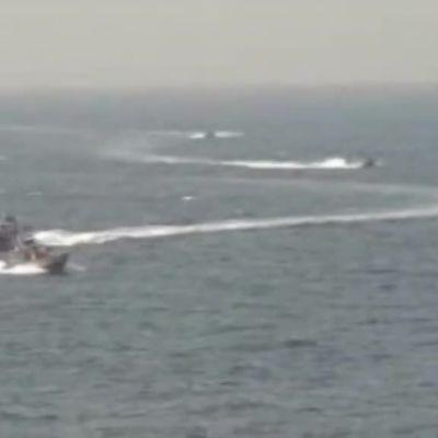 Uutisvideot: Iranin partioveneet hätyyttivät Yhdysvaltain ohjushävittäjää