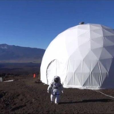 Uutisvideot: Mars-tutkijat eristäytyivät vuodeksi kupoliin
