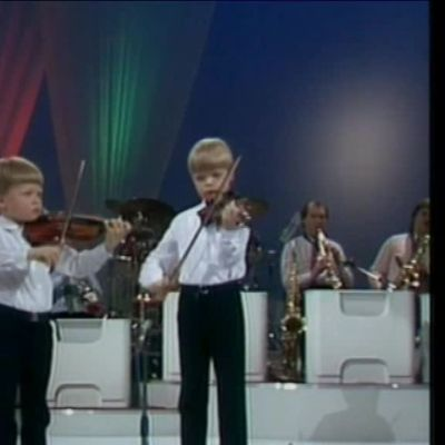 Uutisvideot: Jaakko ja Pekka Kuusisto, Joulupukin Toivejoulu (1983)