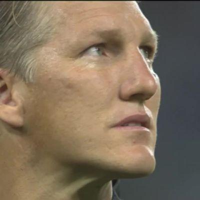 Urheilujuttuja: Jäähyväiset saivat Bastian Schweinsteigerin kyyneliin