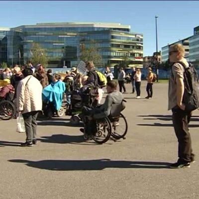 Yle Uutiset viittomakielellä: Pitkä video hankintalaista ja vammaispalveluista