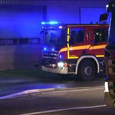 Uutisvideot: Turussa paloi bussivarikko – 20 bussia tuhoutui