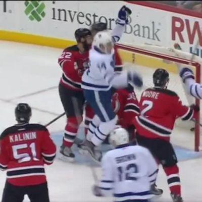 NHL huippuhetket: Matthews päätti vihdoin kuivan kautensa – täräytti 2+1