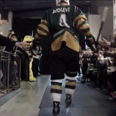 Jääkiekon Nuorten MM: Kanadan paras junioriseura on monelle tärkeämpi kuin NHL – Nuorten Leijonien kapteeni on yksi joukkueen tähdistä