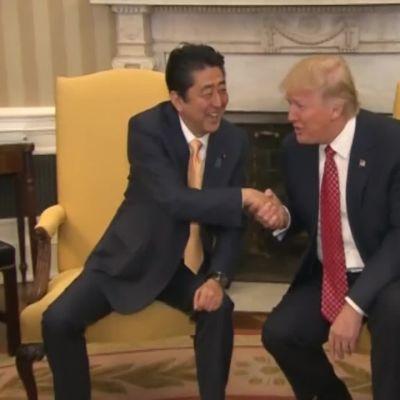 Uutisvideot: Trump kiskoo ja pusertaa, Obama tarttuu olkapäähän – Katso miten maailman johtajat kättelevät