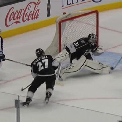 NHL: Patrik Laineelle onnekas osuma