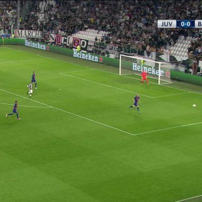 Jalkapallon Mestarien liiga: Juventus rökitti Barcelonan puolivälierissä