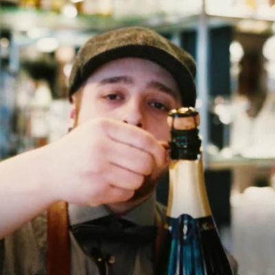 Uutisvideot: Oletko aina avannut samppanjapullon väärin? Tässä ohjeet oikeaoppiseen avaamiseen.