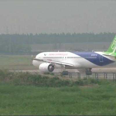 Uutisvideot: Kiinalainen matkustajakone ilmaan