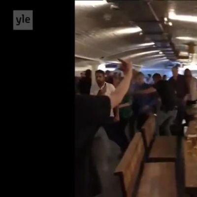Uutisvideot: Poliisin rynnäkkö baariin terroristijahdin yhteydessä