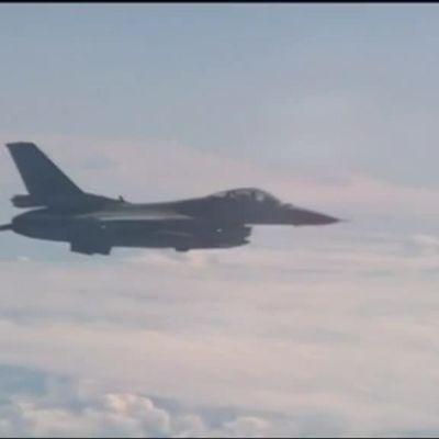 Uutisvideot: Venäjä syyttää Natoa aggressiivisuudesta Itämerellä – venäläismedian mukaan Naton hävittäjä yritti lähestyä puolustusministeri Shoigun konetta