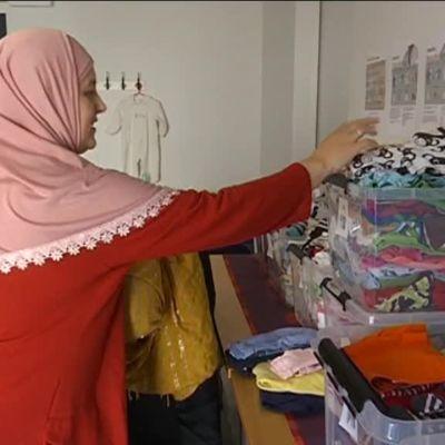 Yle Uutiset Pirkanmaa: Kierrätettyjä äitiyspakkauksia Romaniaan