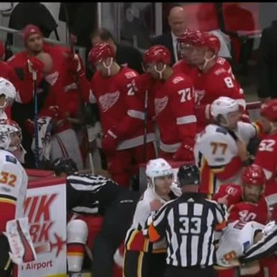 NHL: Joukkotappelu keskeytti ottelun