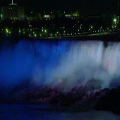 Uutisvideot: Niagara loistaa sinivalkoisena