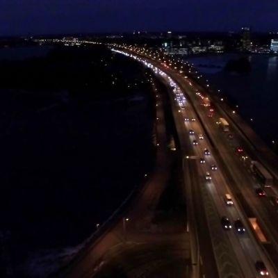 Uutisvideot: Liikennettä Länsiväylällä