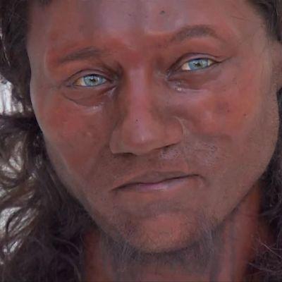 Uutisvideot: Tumma hipiä, siniset silmät ja kiharat kutrit – tällaiselta näyttivät ensimmäiset britit