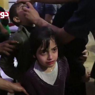 Uutisvideot: Sosiaalisen median video Syyrian kaasuiskun uhreista