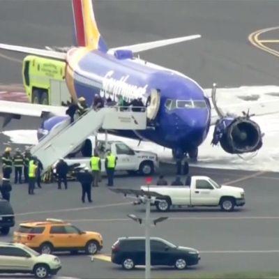Uutisvideot: Philadelphiassa lentokone teki hätälaskun rikkinäisellä moottorilla