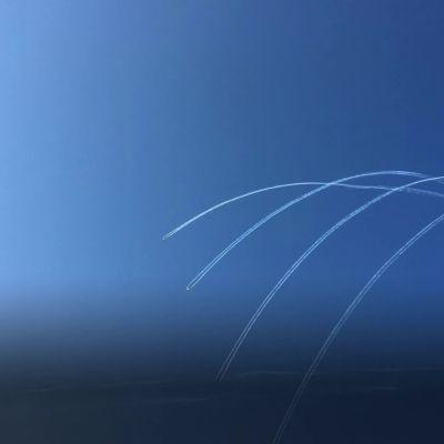 Taivaan tanssi syntyy hävittäjälentäjän rennolla nuotituksella