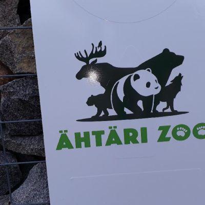 Opaste Ähtärin eläinpuistossa