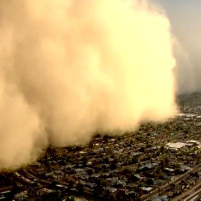 Suuri pölypilvi Phoenixissa