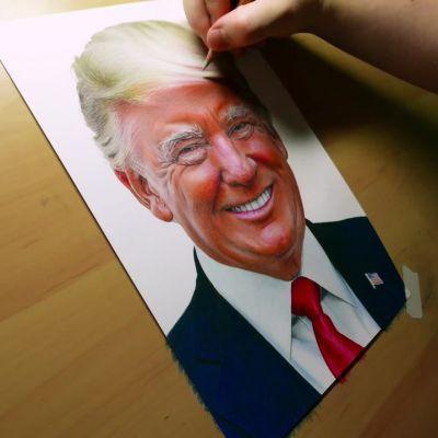 Akke Saaren kynästä syntyy valokuvamainen muotokuva Donald Trumpista.