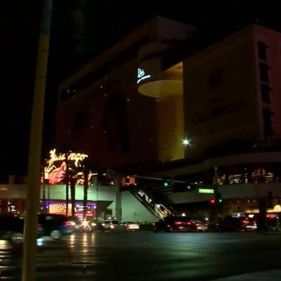 Las Vegas Strip pimennettiin joukkomurhan uhrien muistoksi