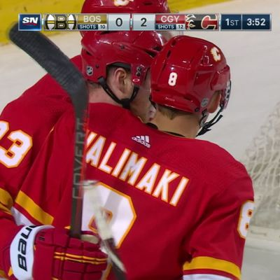 Juuso Välimäki laukoi uransa ensimmäisen NHL-maalin Tuukka Raskin selän taakse
