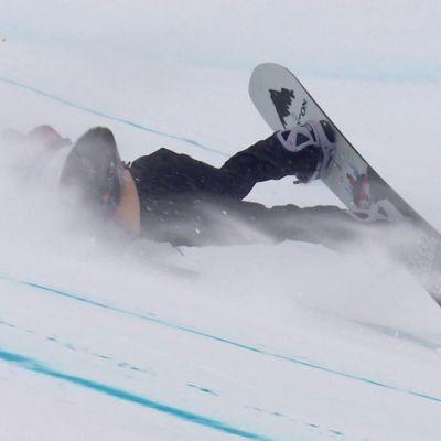 Lumilautailun maailmancupissa tuulidraamaa – Anna Gasser ja Enni Rukajärvi kaatuivat