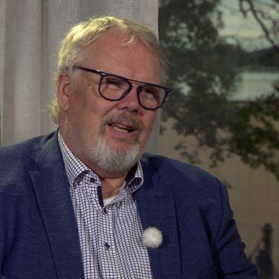 Jorma Silvasti viimeistä kesää Savonlinnan oopperajuhlien taiteellisena johtajana
