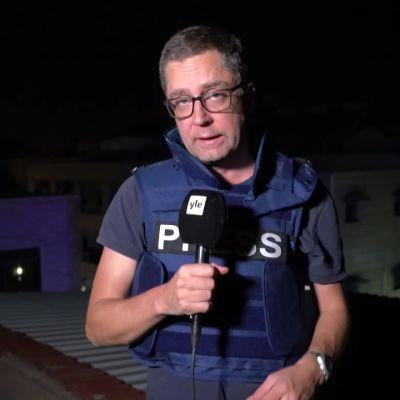 Yle Pohjois-Syyriassa: Sadat pakenivat Turkin ilmaiskuja Syyrian rajakaupungissa