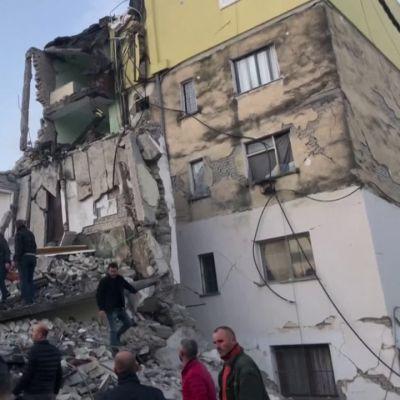 Albanian maanjäristyksessä on useita kuolleita