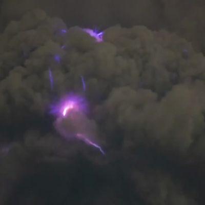 Taal-tulivuori purkautuu Filippiineillä