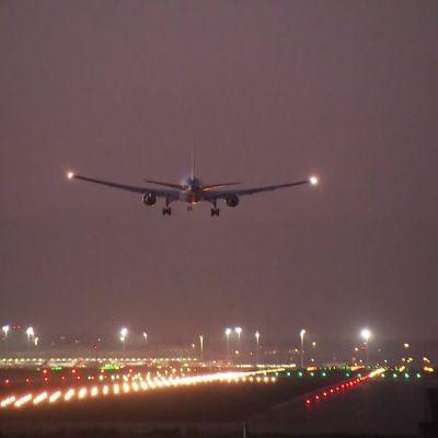Kanadalainen matkustajakone laskeutui turvallisesti Madridin lentokentälle