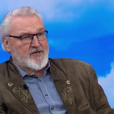 """Jaakko Ryhänen on oopperalaulaja musiikkiopiston rehtorin armosta: """"Hän antoi armon käydä oikeudesta"""""""