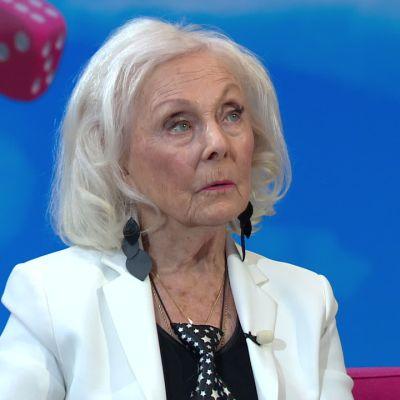 """Seela Sella on 40 vuoden ajan valmistellut vainajia hautaamista varten: """"Se vie kuolemanpelon ja on suurin palvelus minkä voi tehdä"""""""