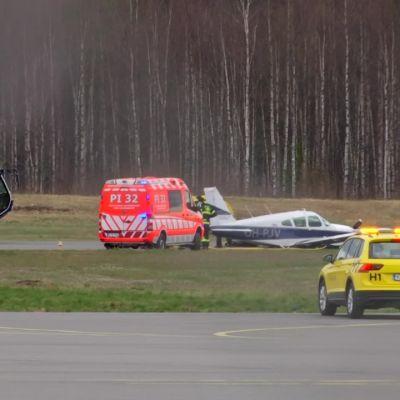 Ilmailuonnettomuus Pirkkalan lentokentällä