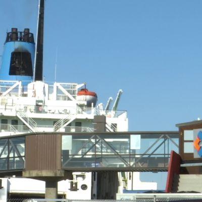 Vaasan ja Uumajan liikenteessä odotetaan kesän matkustussuosituksia