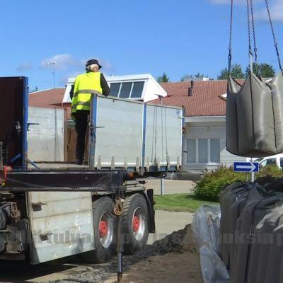 Arvio Lapin tulvasuojelun kokonaiskustannuksista on lähellä miljoonaa euroa - loppusumma tarkentuu vasta parin viikon kuluttua