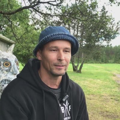 Päivö-myrsky katkaisi sähköt Juha Rautiaisen vihannestilalta