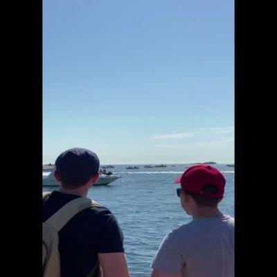 Kaksi venettä törmäsi venekisan yhteydessä Hangon Itäsataman edustalla